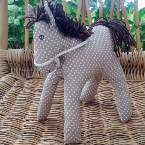 koník šitá hračka